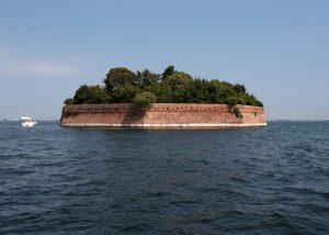 Utrdba na otoku Ottagono Alberoni v beneški laguni